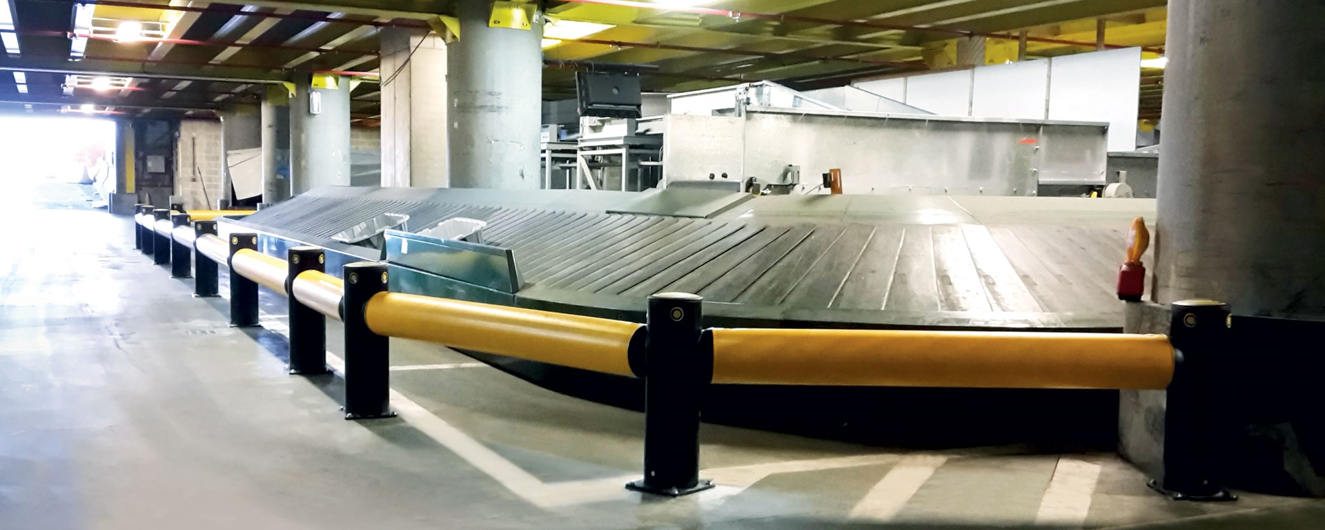Airport | Baggage conveyor protection for Brussels vehicle fleet